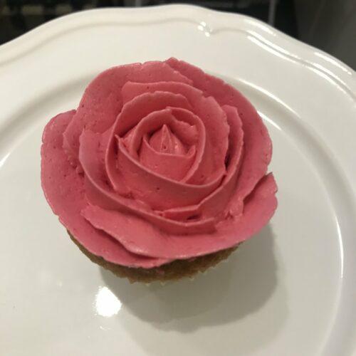 Как сделать розу из крема для торта